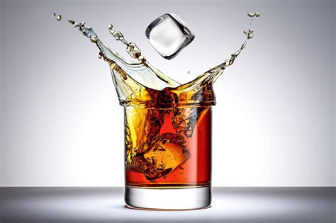 drink photography creative use of splash product photography for advertising