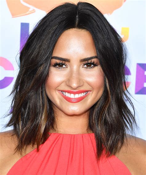 Home Makeovers by Demi Lovato S Choppy Lob Haircut Instyle Com