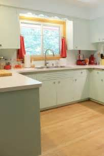 1950s kitchen i like the mint cabinets could this work