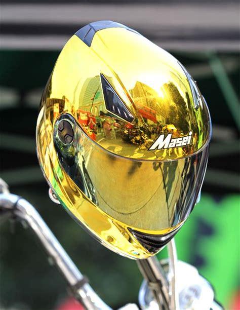 Motorradhelm Gold by Masei 830 Gold Chrome Helmet With Bmw Motorrad In