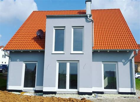 welche fassadenfarbe passt zu roten dachziegeln fassadenfarbe farbpalette blau olegoff