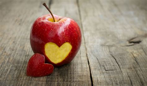mood apple red heart love background fruit wallpaper