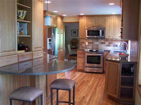 20 stunning kitchen booths and banquettes hgtv kitchen banquette maple bar top backyard buyers 28 dark
