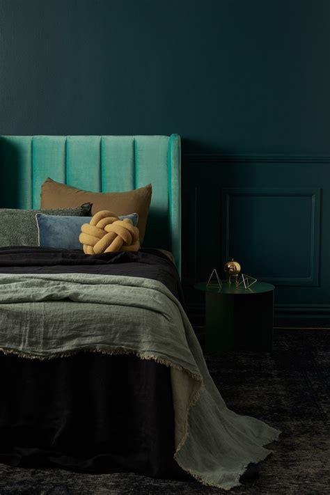 dark green paint bedroom best 25 forest green bedrooms ideas on pinterest