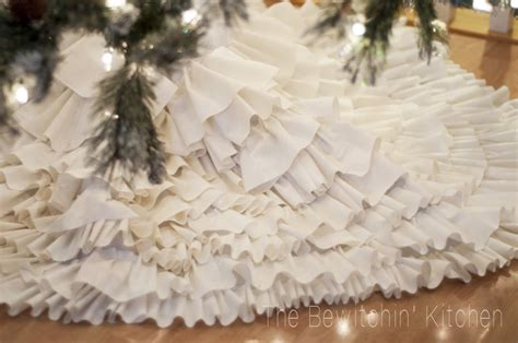 Handmade Tree Skirt - diy ruffled tree skirt handmade with the bewitchin