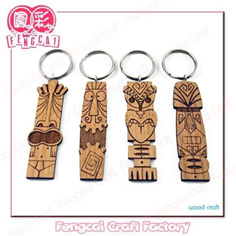 Hadiah Souvenir Gantungan Kunci Italia kustom terukir kayu gantungan kunci souvenir berhutan