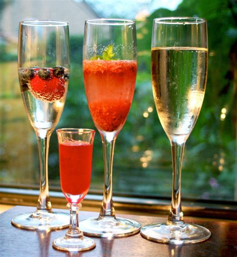 martini prosecco strawberry prosecco cocktail