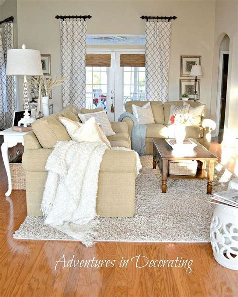 Beige And White Living Room Ideas by And White Living Room The Curtains And Splashes