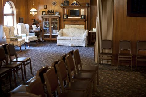 facilities o laughlin funeral home inc 215 west