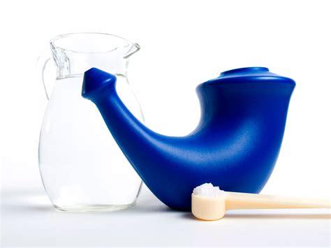 agua con sal para la nariz remedio de lavados nasales con agua con sal para el catarro