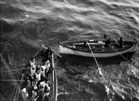 titanic boat survivors titanic survivors approach the ship carpathia titanic