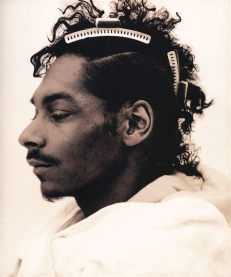 fashion for snoop dogg hair down snoop dogg getting his hair did the max reddick