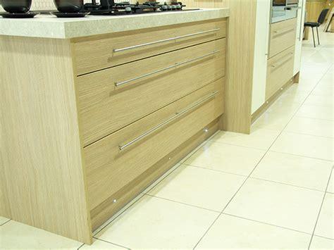 Wide Kitchen Drawers by Wide Kitchen Drawers Sigma 3 Kitchens