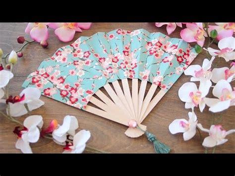 How To Make A Japanese Paper Fan - paper fan easy tutorial fan that can fold