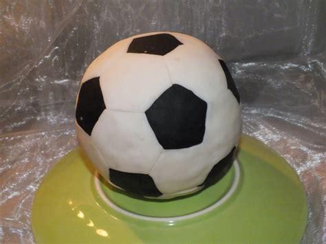 fussball kuchen backen fu 223 ballkuchen archives mias tortenwelt