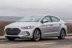 Hyundai Accent Vs Elantra 2017 Hyundai Elantra Vs 2016 Volkswagen Jetta Which Is