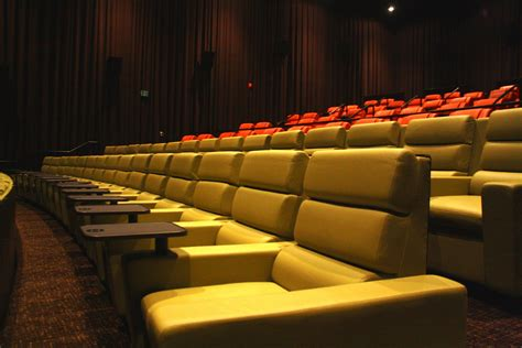 recliner movie theater nyc 100 reclining chairs movie theater nyc movie