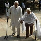 Old Indian Couple | 400 x 400 jpeg 127kB