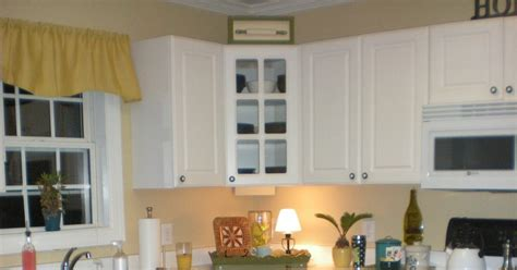 your own kitchen island thrifty finds and redesigns create your own kitchen island