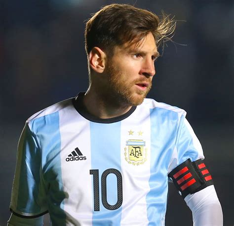 messi a biography pdf biografia di lionel messi