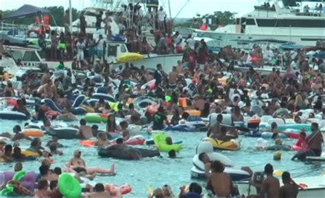 boten feest curacao steeds meer bezorgheid over fuikdag caribisch netwerk