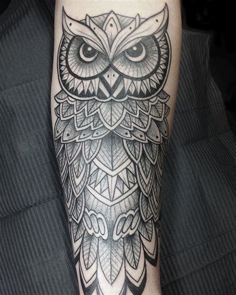 owl outline tattoo 25 best ideas about geometric owl on