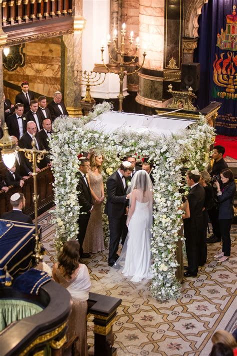 The Highlight Room a suzanne neville bride for an 252 ber chic elegant jewish