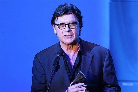 robbie roberson robbie robertson to receive canadian honor appear on fallon