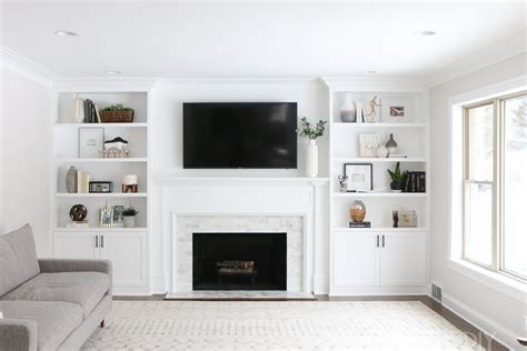 What To Put On Living Room Shelves by The Dos And Don Ts Of Decorating Built In Shelves The