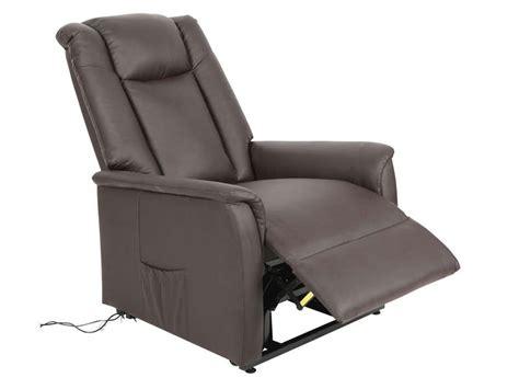 conforama fauteuil releveur fauteuil de relaxation et releveur 233 lectrique max en pu coloris chocolat vente de tous les