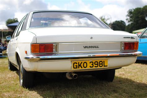 view of vauxhall magnum 1800 photos features and view of vauxhall victor 2300 photos features and