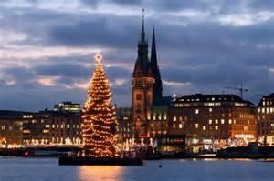 weihnachtsbaum alster hamburger city die alstertanne kommt in diesem jahr aus rissen hamburg aktuelle news aus
