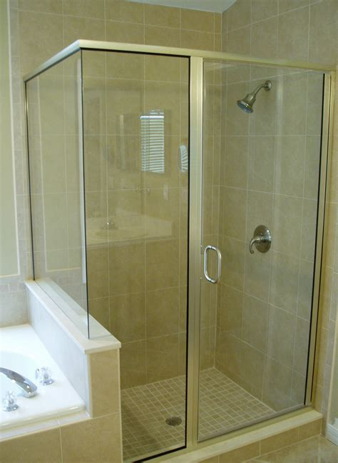 Shower Door Trims A Semi Frameless Shower Notice No Trim At The Corner Joint And Around The Door Shower Doors