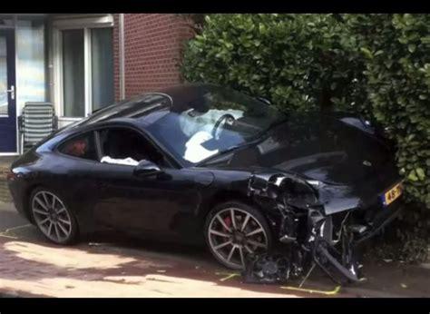 porsche  crash   performancedrive