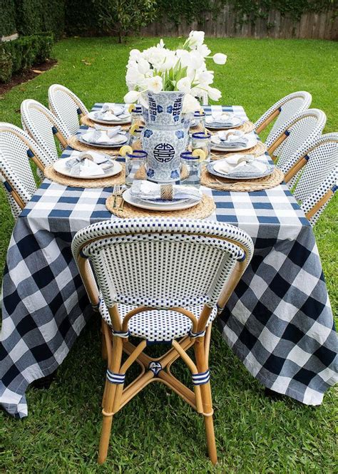 outdoor table setting 25 best ideas about outdoor tablecloth on