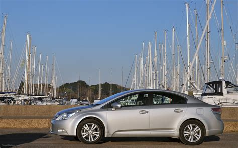 toyota line of cars toyota expands engine line up for new avensis widescreen
