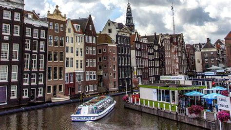 In Amsterdam by Amsterdam Voyages Cartes