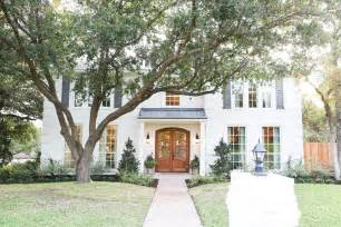 homes chip joanna gaines on fixer