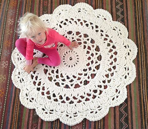 25 best ideas about doily rug on crochet