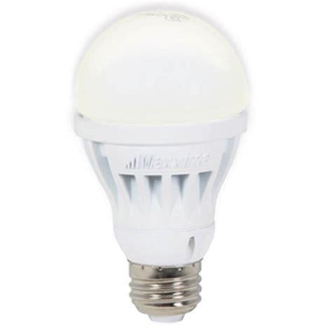 Light Bulb Lumens by A19 Led Light Bulb 560 Lumens 8 Watts Warm White