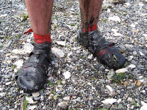 shoes for a mud run low tide mud run to allyn days july 22