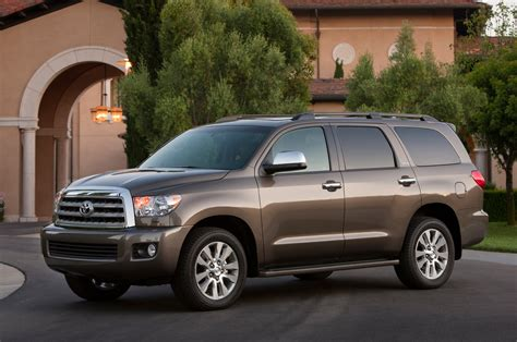 Toyota Sequoia 2014 2014 Toyota Sequoia Reviews And Rating Motor Trend