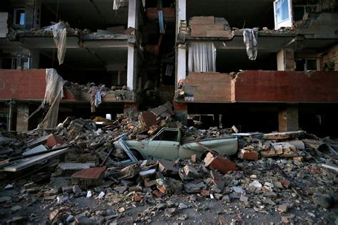 iranian news iran iraq earthquake kills more than 500 the new york times