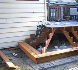 treppe selber bauen holz gartentreppe aus holz selber bauen anleitung und beispiele
