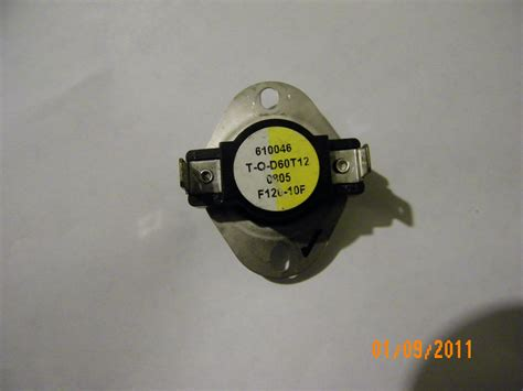 heater fan limit switch i a carrier 58msa060 14112 series 140 that is blowing