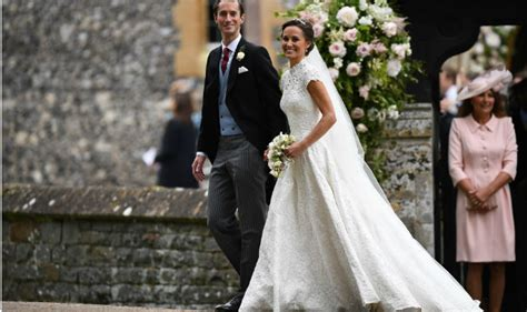 hochzeitskleid pippa middleton pippa middleton s wedding dress photos kate s sister gets