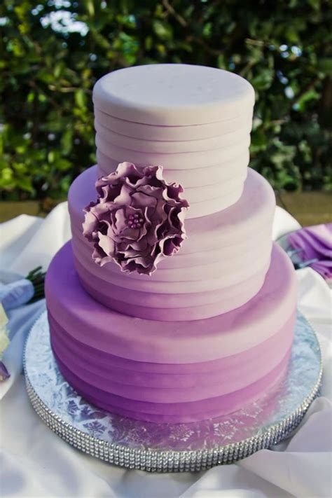 Hochzeitstorte Ombre by 12 Fabulous Ombre Wedding Cakes The Magazine