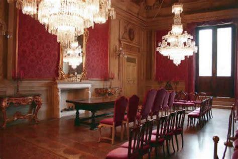 comune firenze ufficio matrimoni sala rossa palazzo d accursio in piazza maggiore a bologna