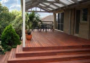 Elevated decking design ideas get inspired by photos of elevated