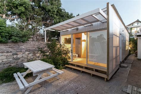 30 sqm rectangular tiny house design with low cost